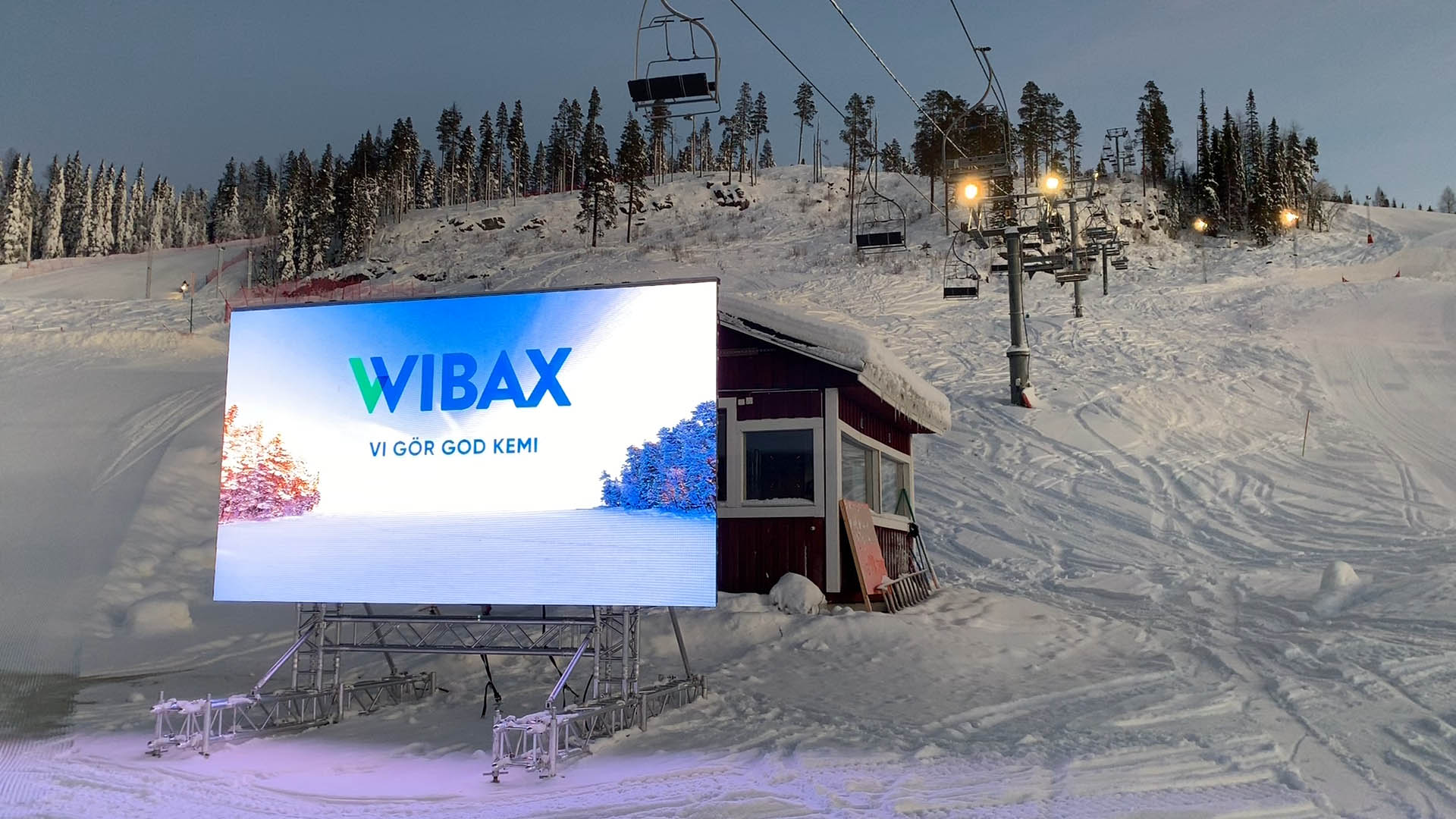 Lets Display DOOH Billboard i Kåbdalis skidanläggning